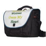 Una mujer jamaicana posee mi corazón bolsa de ordenador