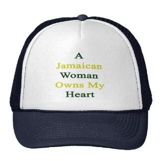 Una mujer jamaicana posee mi corazón gorro