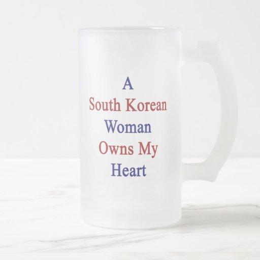 Una mujer surcoreana posee mi corazón taza cristal mate