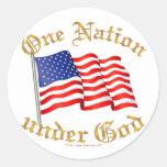 Una nación debajo de dios pegatina redonda