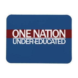 Una nación debajo de educado imán de vinilo
