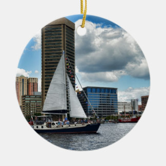 Una nave en Baltimore Adorno Redondo De Cerámica