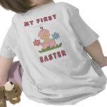 Una niña de Pascua Camisetas