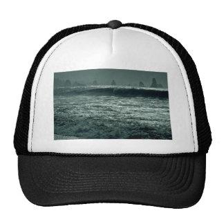 Una onda sobre otra gorras