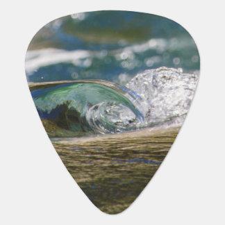 Una onda y un chapoteo púa de guitarra