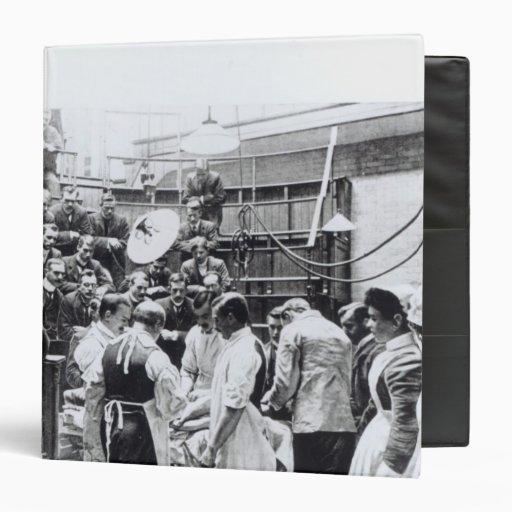 Una operación en el hospital cruzado de Charing