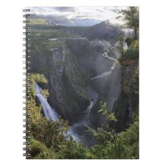 Una opinión amplia de la tarde - Hordaland, Norueg Notebook