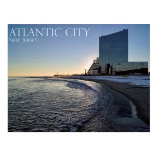 Una opinión de la puesta del sol de Atlantic City Postales