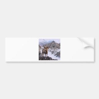 Una oveja de Bighorn mira en el valle Pegatina Para Auto