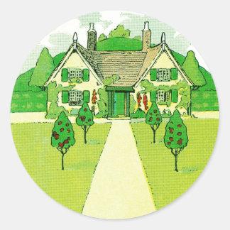 Una pequeña casa bonita pegatina redonda