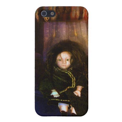 Una pequeña muñeca fantasmagórica iPhone 5 fundas