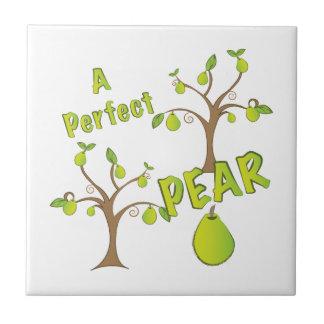 Una pera perfecta azulejo cuadrado pequeño
