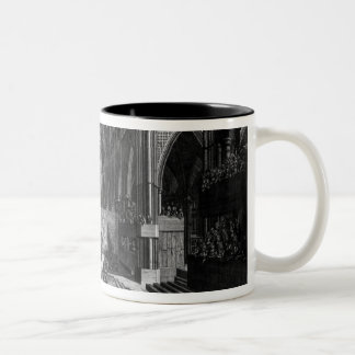 Una perspectiva de la iglesia colegial del interio taza de café