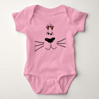 Una pieza linda del bebé del gato poleras