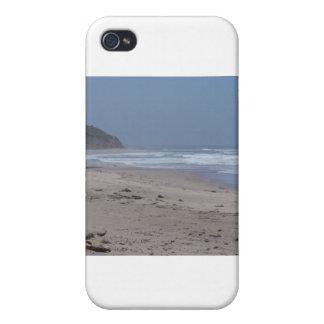 Una playa de California en un día nublado iPhone 4/4S Fundas