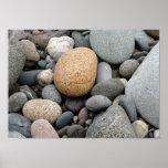 Una playa del poster de las rocas