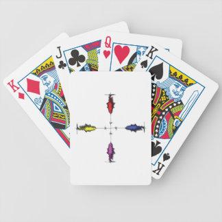 Una plebe cruzada barajas de cartas