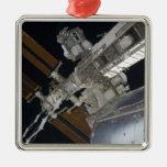 Una porción de la estación espacial internacional  ornamente de reyes