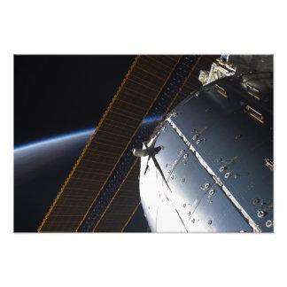 Una porción de la estación espacial internacional fotografía
