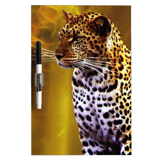 Una postura del leopardo tablero blanco