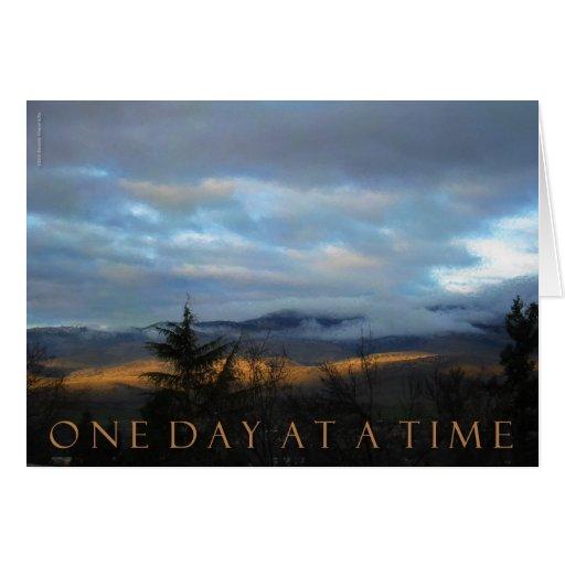 Una puesta del sol de enero del día a la vez tarjeta de felicitación