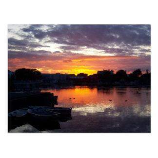 Una puesta del sol de Galway Tarjetas Postales
