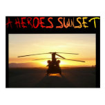 Una puesta del sol de los héroes postales