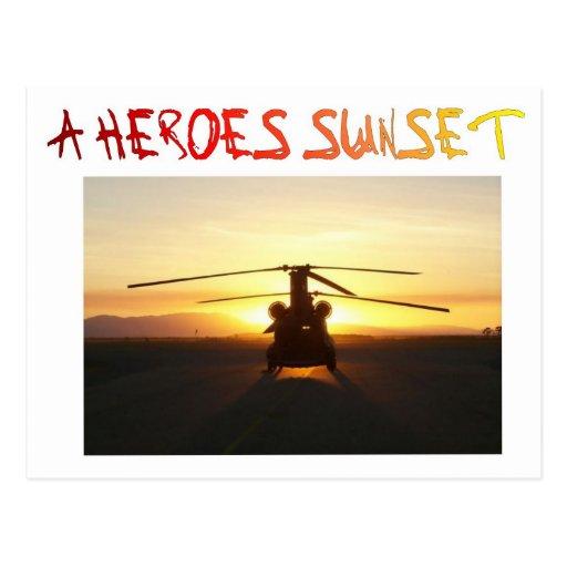 Una puesta del sol de los héroes tarjeta postal