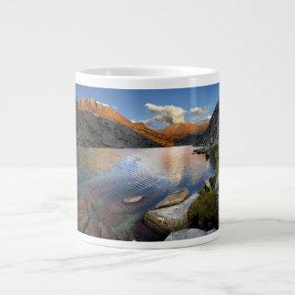 Una puesta del sol más baja del lago palisade - ra taza extra grande