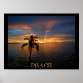 Una puesta del sol pacífica póster
