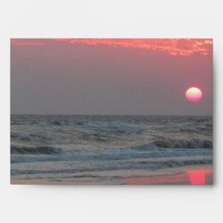Una puesta del sol perfecta - isla del roble, NC Sobre