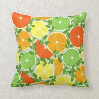 Una rebanada de fruta cítrica almohadas