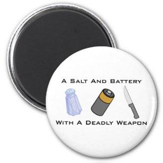 Una sal y una batería con un arma mortal imán redondo 5 cm