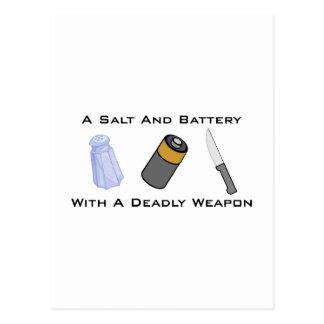 Una sal y una batería con un arma mortal postales
