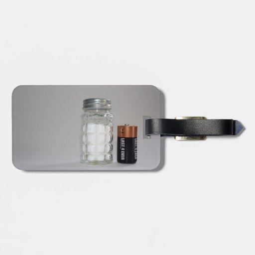 Una sal y una batería etiqueta para maleta