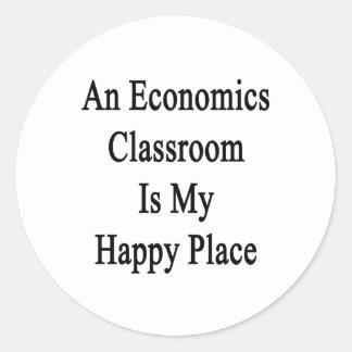 Una sala de clase de la economía es mi lugar feliz pegatina redonda