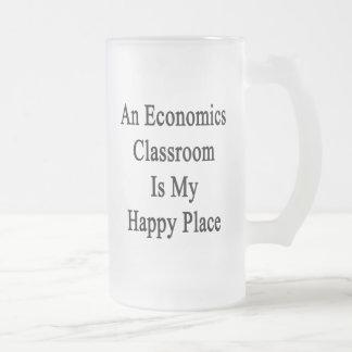Una sala de clase de la economía es mi lugar feliz taza de cristal