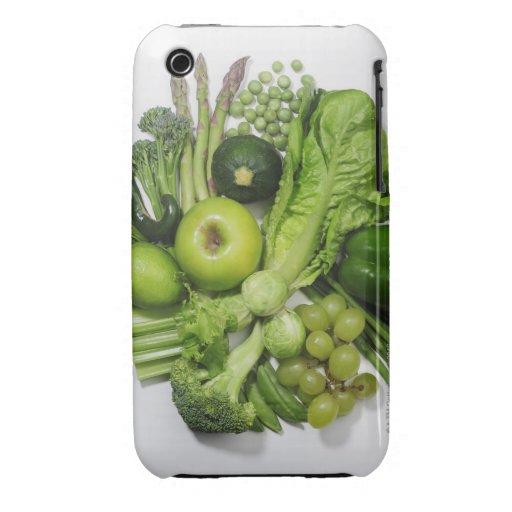 Una selección de frutas y de verduras verdes iPhone 3 carcasas
