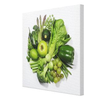 Una selección de frutas y de verduras verdes impresion de lienzo