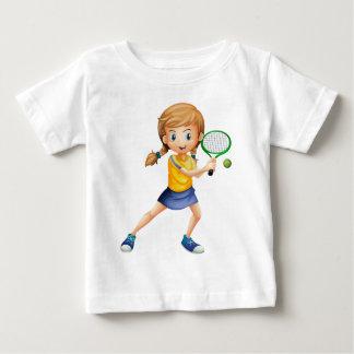 Una señora bonita que juega a tenis t-shirt