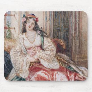 Una señora Seated en un otomano Turki que lleva in Alfombrillas De Ratón