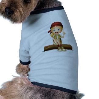 Una sentada de la chica joven camiseta de mascota