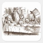 Una sepia enojada de Tenniel de la fiesta del té Colcomanias Cuadradas