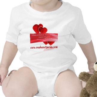 Una serie del corazón (r) trajes de bebé