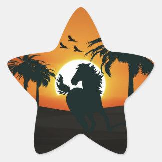 Una silueta del caballo en la puesta del sol colcomanias forma de estrellas