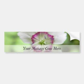 Una sola flor del rosa virginal pegatina para auto