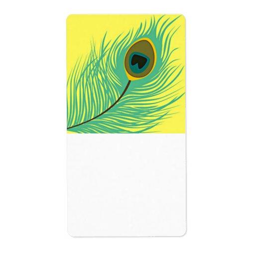 una sola pluma del pavo real en amarillo etiqueta de envío