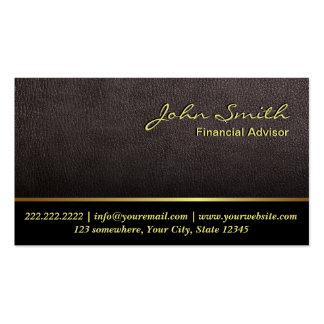 Una tarjeta de visita financiera de cuero más oscu