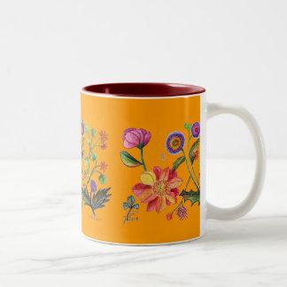 Una taza anaranjada especial del jardín