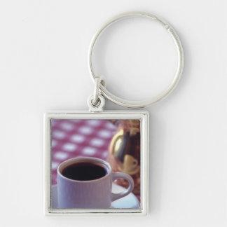 Una taza de café árabe. Siria. El centro Llavero Cuadrado Plateado